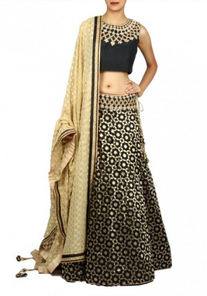 Best-out-of-waste-lehenga-straight-cut