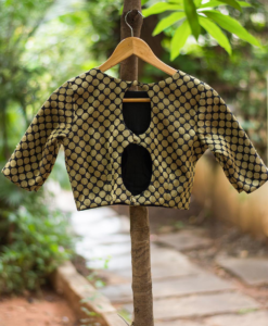 best-out-of-waste-blouses-eight-shaped-open-back-design-2