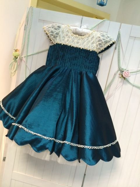 best-out-of-waste-kids-wear-for-girls-princess-frock-with-back-pattern-1